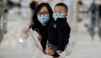 O que sabemos sobre as infeções de coronavírus em crianças até ao momento?