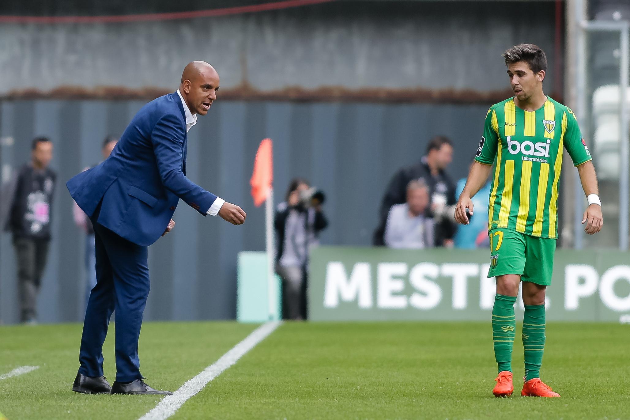 """Treinador do Tondela: """"Vamos ganhar o jogo por nós, mas acima de tudo pela cidade"""""""