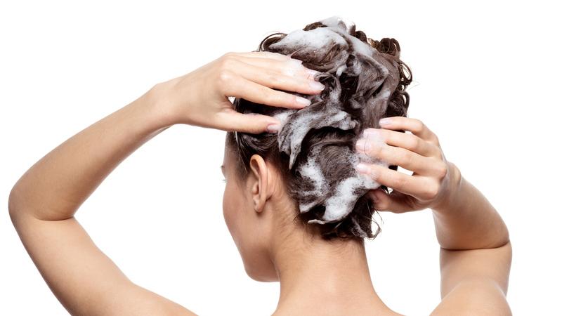 Couro cabeludo sensível. As precauções a ter para não o irritar