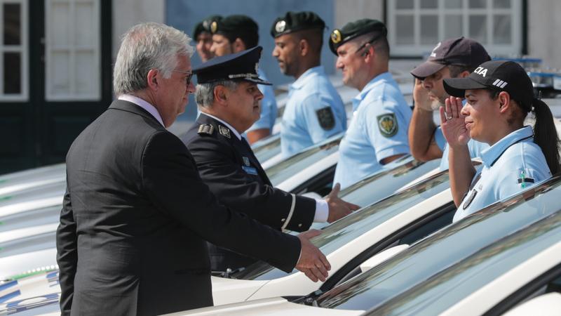 As boas intenções não chegam. Ministro disponível para resolver problemas da polícia, mas manifestação é para acontecer