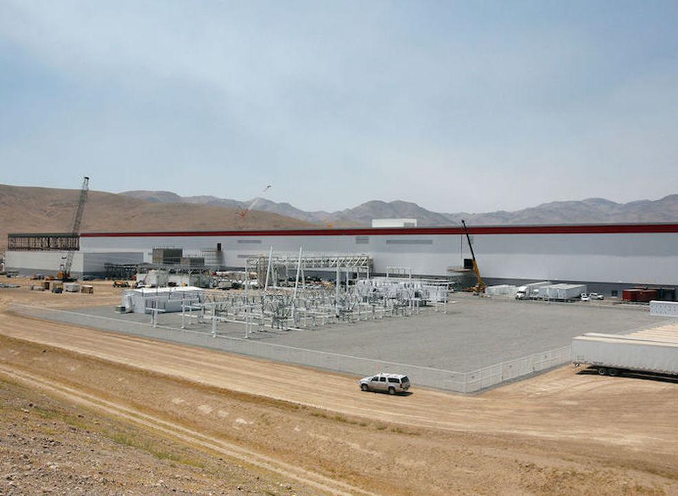 Tesla: Tráfico de drogas e vigilância ilegal na Gigafactory do Nevada, acusa ex-trabalhador