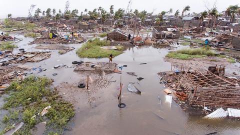 """Cerca de 75% dos donativos recolhidos pela Cruz Vermelha para ajudar Moçambique """"serão usados para fretar um avião""""?"""