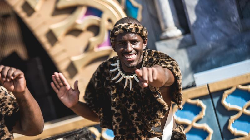 Elefante e muita dança: A rua do Rock in Rio dedicada a África