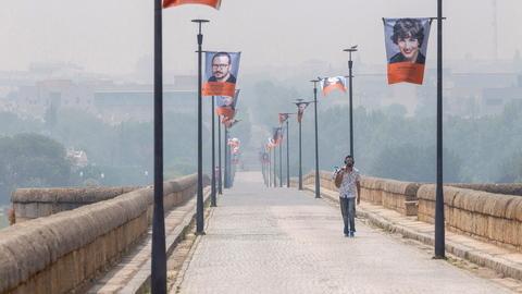 """Fumo dos fogos em Portugal e anticiclone criam """"nuvem"""" que cobre Extremadura espanhola"""