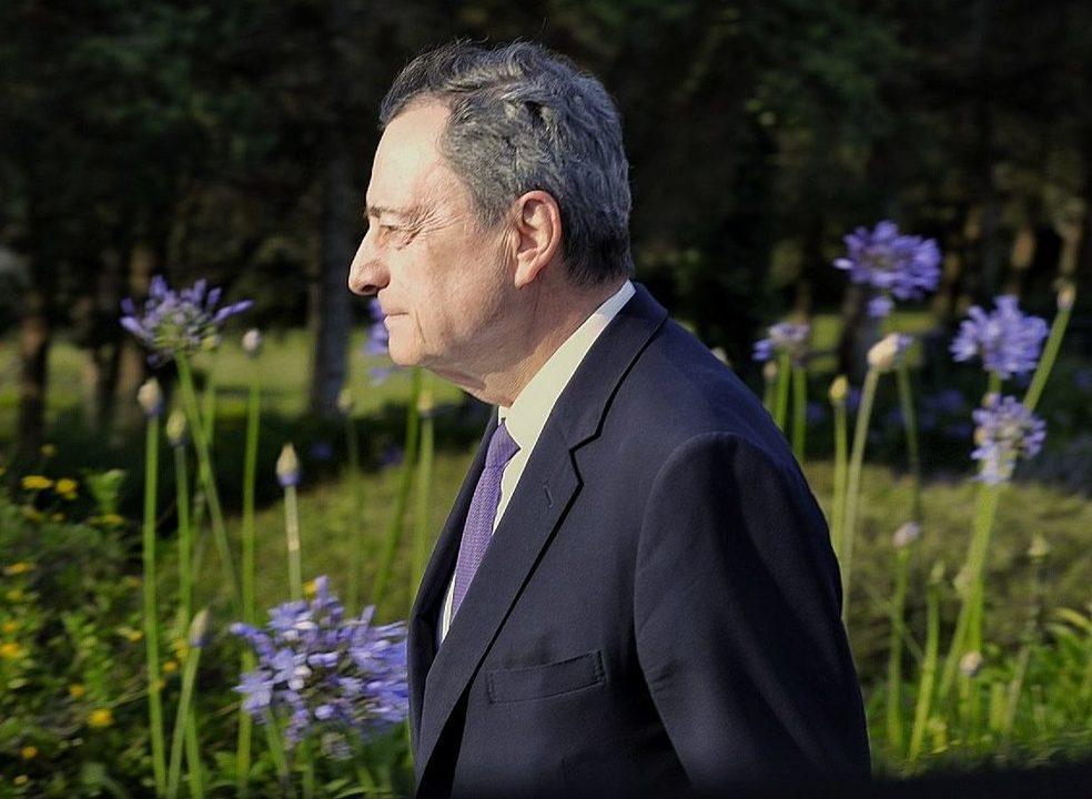 Draghi arrisca terminar oito anos de mandato à frente do BCE sem nunca ter subido juros