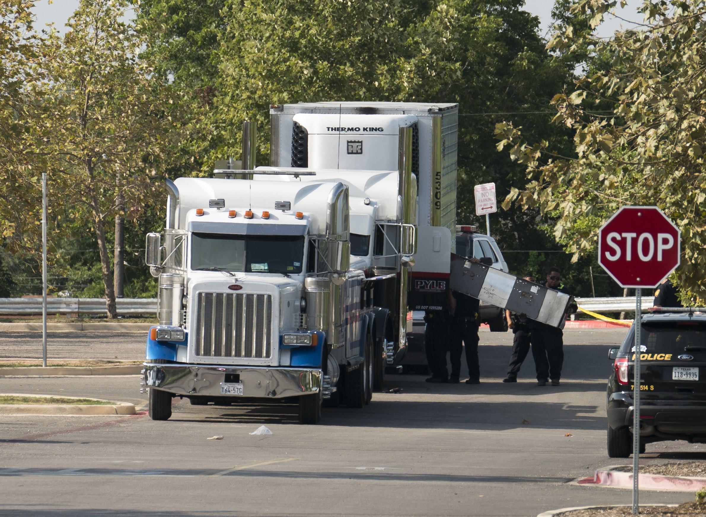 Motorista de camião acusado da morte de imigrantes ilegais no Texas e arrisca pena de morte