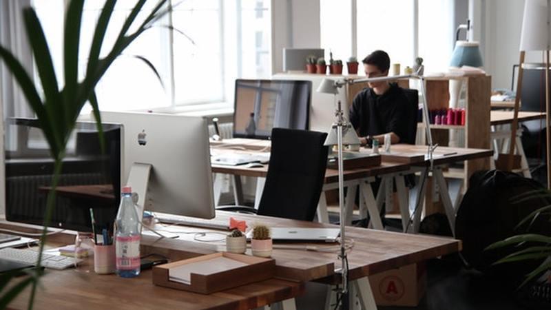 7 maneiras de ser mais sustentável no escritório