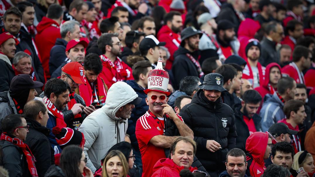 Mata Real transformou-se num mini-estádio da Luz, mas Pepa viu mais que isso