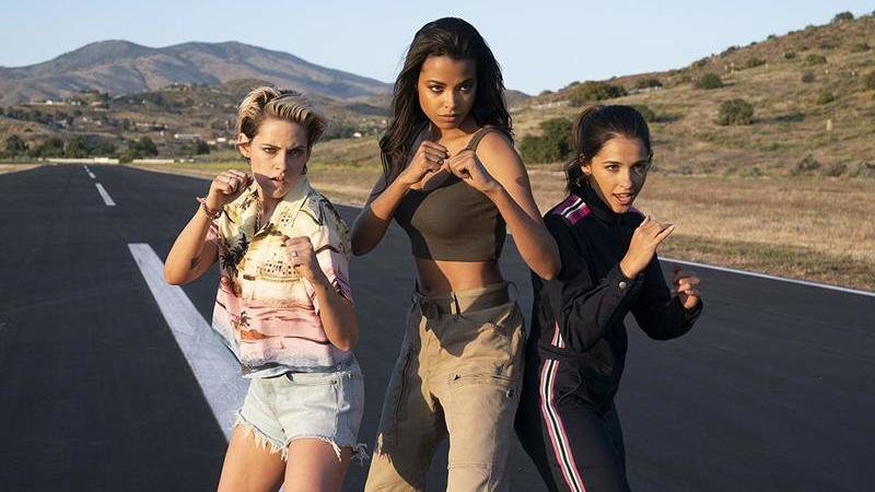"""Cinema em casa: """"Os Anjos de Charlie"""". Kristen Stewart lidera nova equipa sem cham"""