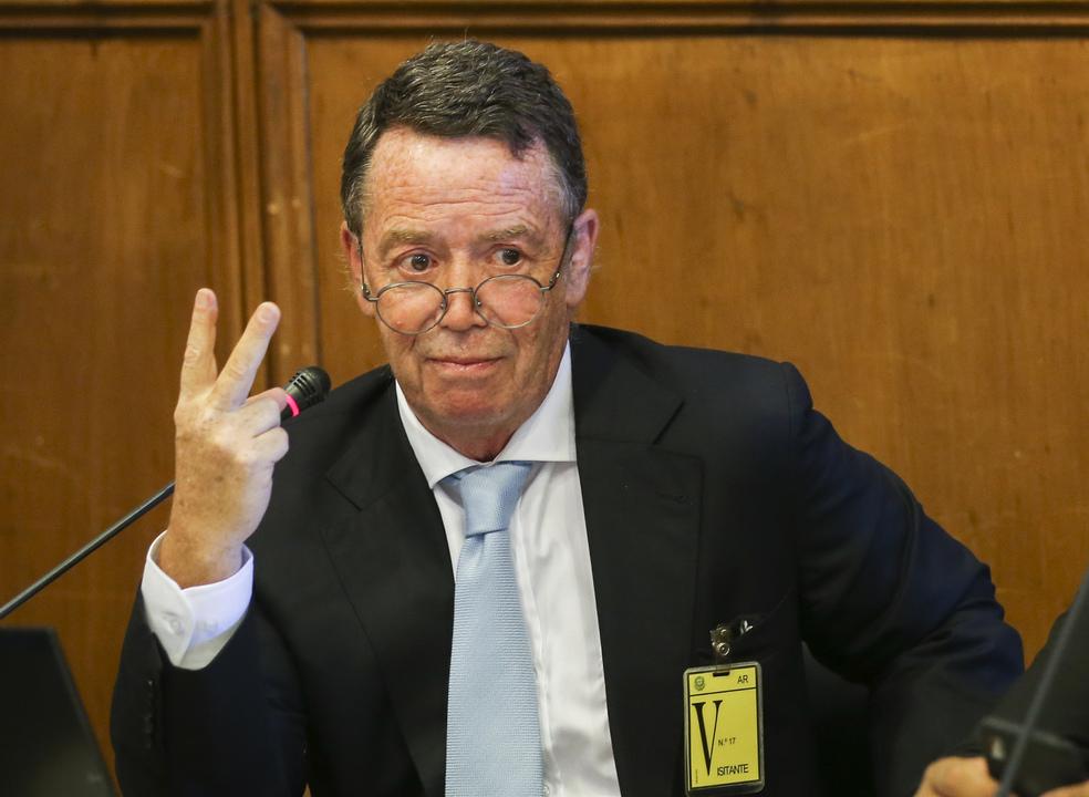 """Manuel Pinho diz que fatura da eletricidade """"parece uma vaca leiteira"""""""