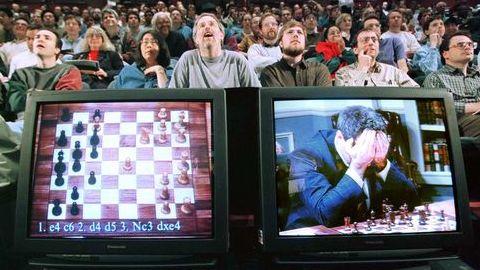 """Há 20 anos um computador """"batia"""" pela primeira vez um campeão mundial de xadrez"""
