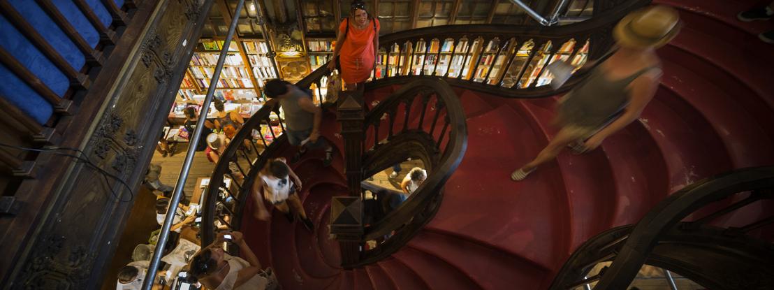 """""""Uma página que demorou 77 dias a virar"""". Livraria Lello, no Porto, reabre portas a 30 de maio"""