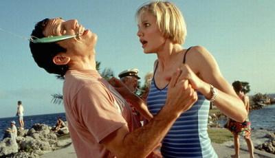 """Comédia """"ofensiva"""" faz 20 anos: ainda se lembra dos atores que ficaram """"Doidos por Mary""""?"""