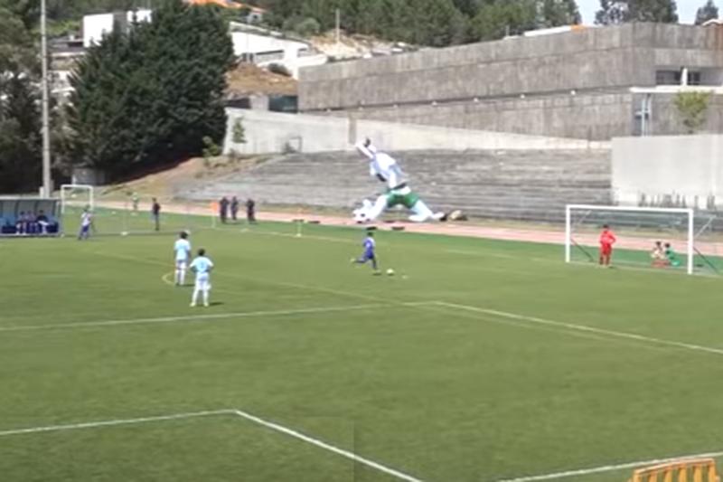 VÍDEO: Uma lição de 'fair play'. Sub-12 do Celta oferecem golo ao FC Porto