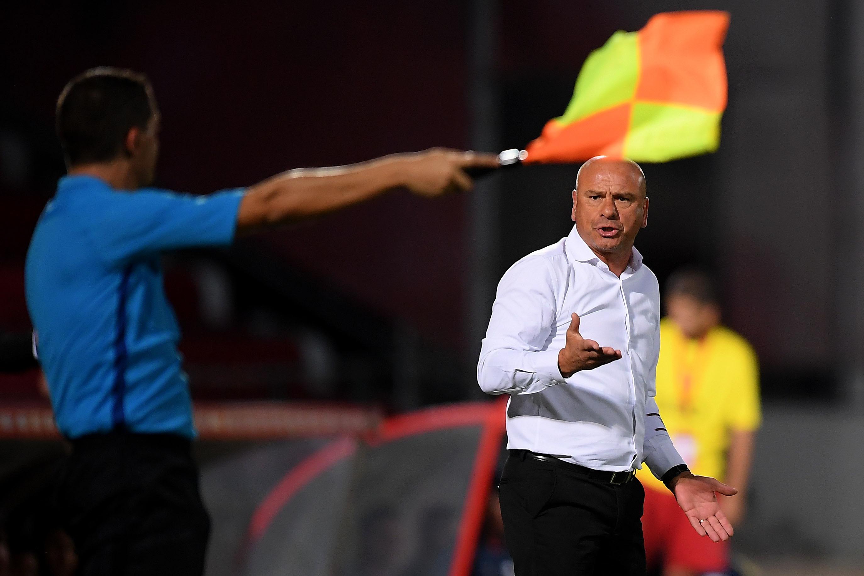Treinador do Aves espera muitas dificuldades frente ao Vitória de Guimarães