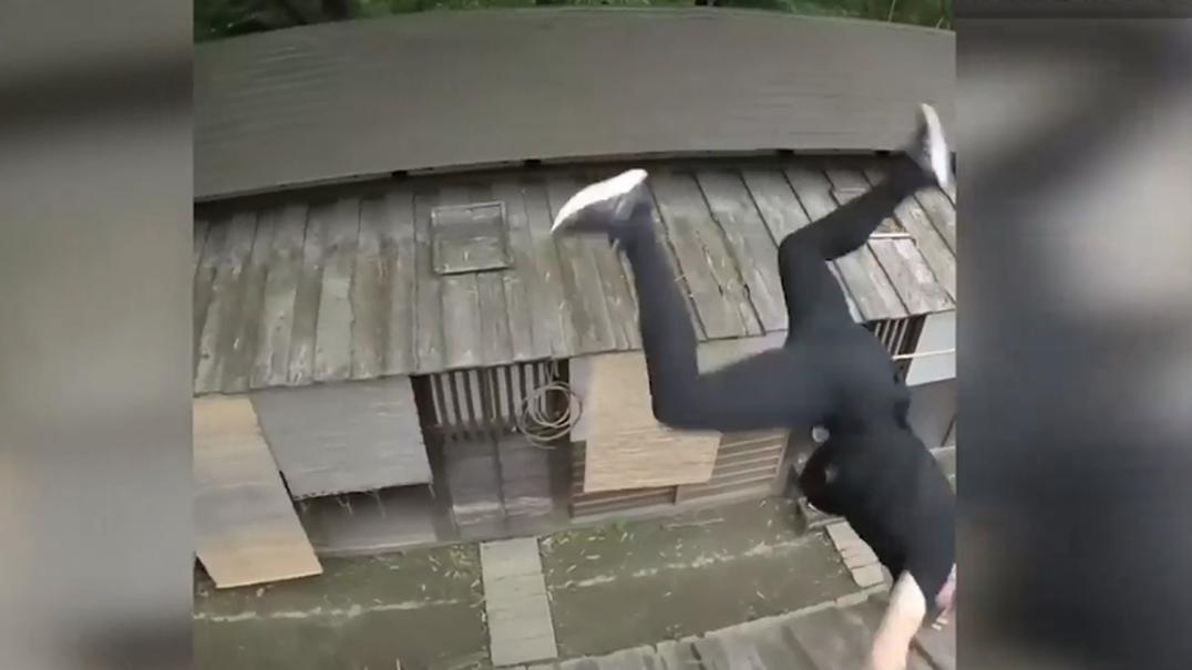 """Praticante de parkour é perseguido por """"ninjas"""" no Japão"""