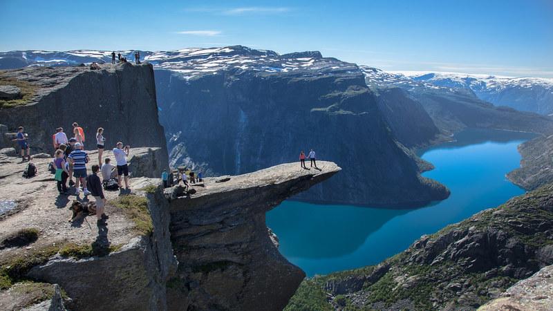 Medo das alturas? Estes 11 miradouros são só para corajosos e um fica em Portugal
