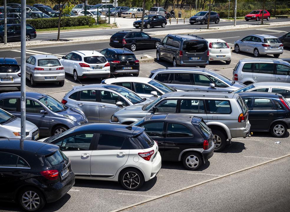 Fisco penhora 528 carros por semana