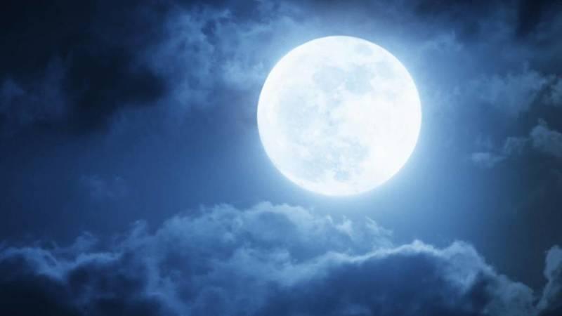 Esta noite há um eclipse penumbral da lua. E é visível em Portugal