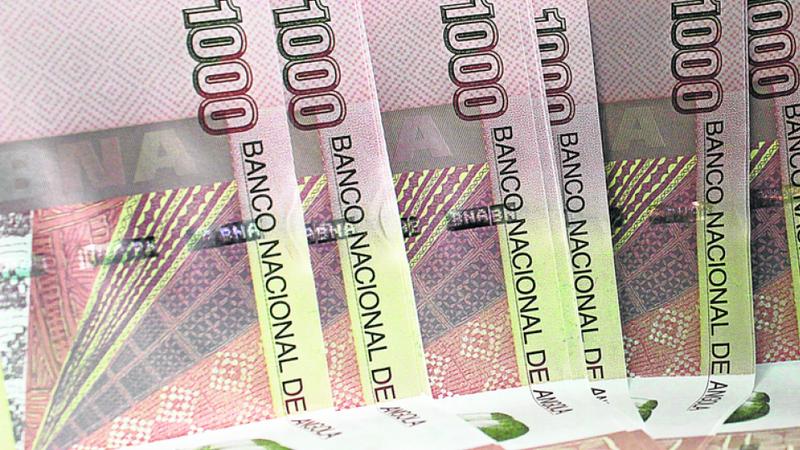 """Angola espera juros de 7% para emissão de dívida """"no mínimo"""" de dois mil milhões"""
