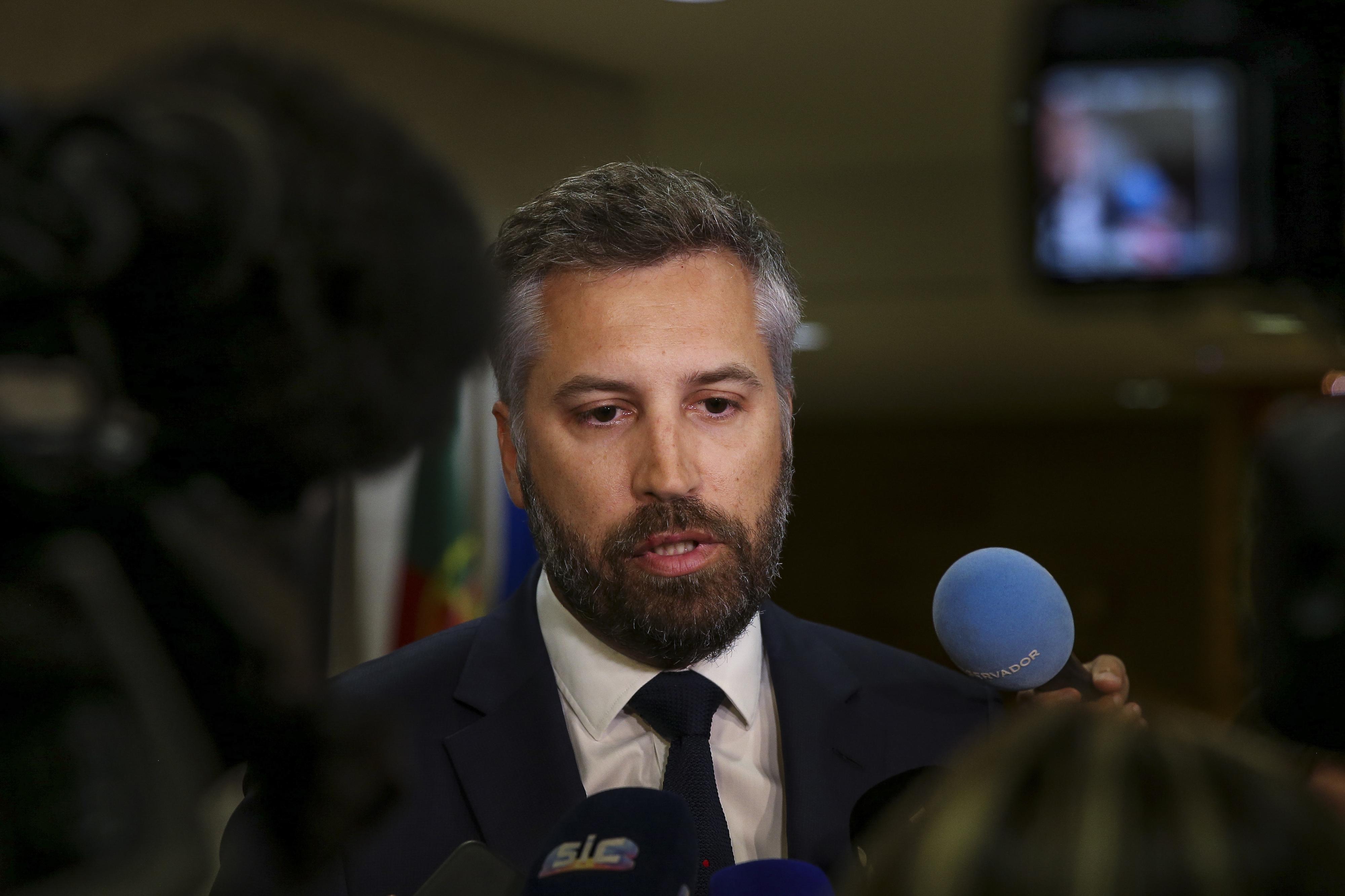 """Ninguém está a fugir a nada"", diz ministro sobre impacto ambiental de obras no aeroporto de Lisboa"