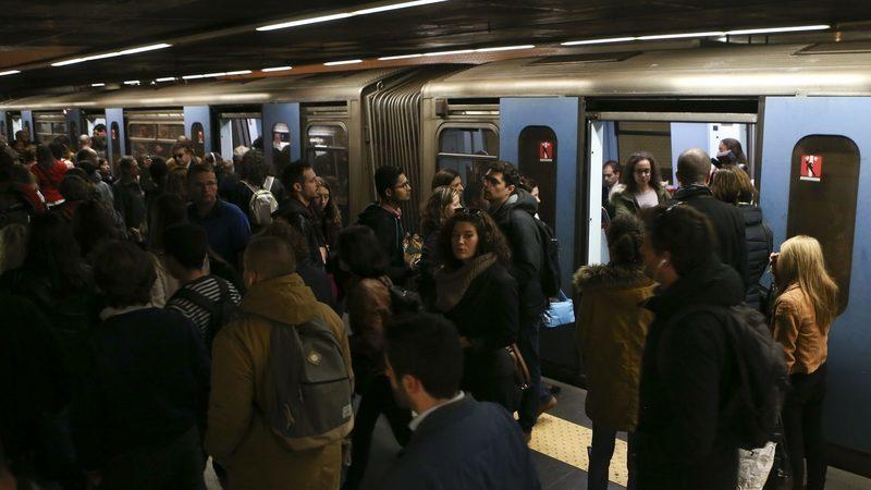 Metro de Lisboa só recebe duas propostas para novos comboios