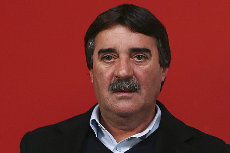 Isidoro Sousa recandidata-se à presidência do Olhanense
