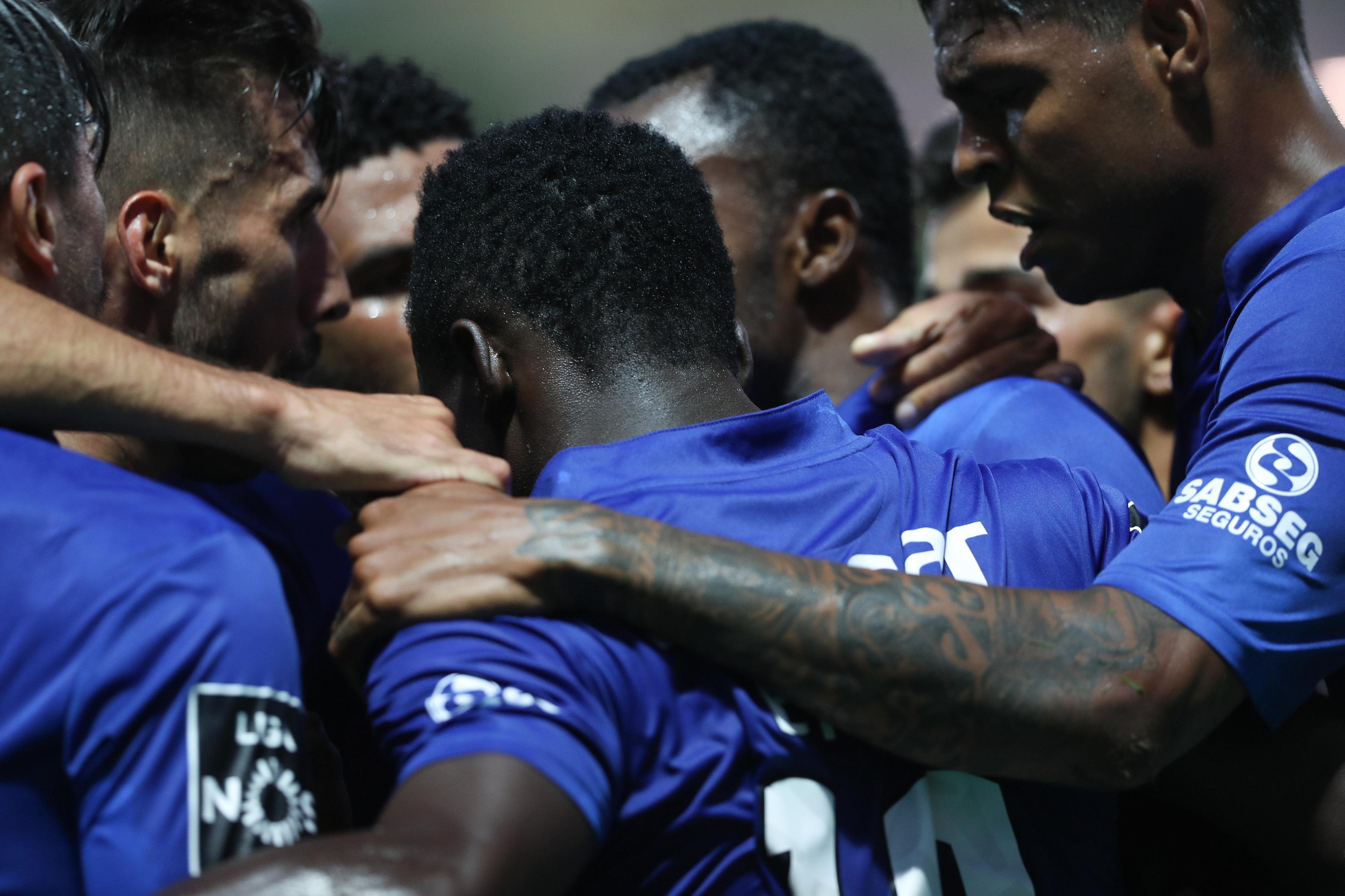 Feirense bate Paços de Ferreira e soma primeira vitória na I Liga