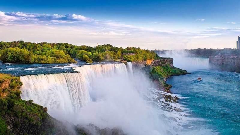 A viagem de Toronto até às cataratas do Niágara