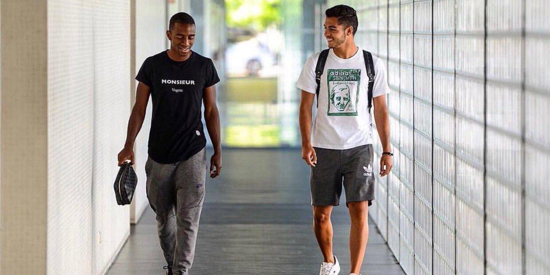 Ricardo Pereira assistiu à vitória do FC Porto desde a bancada