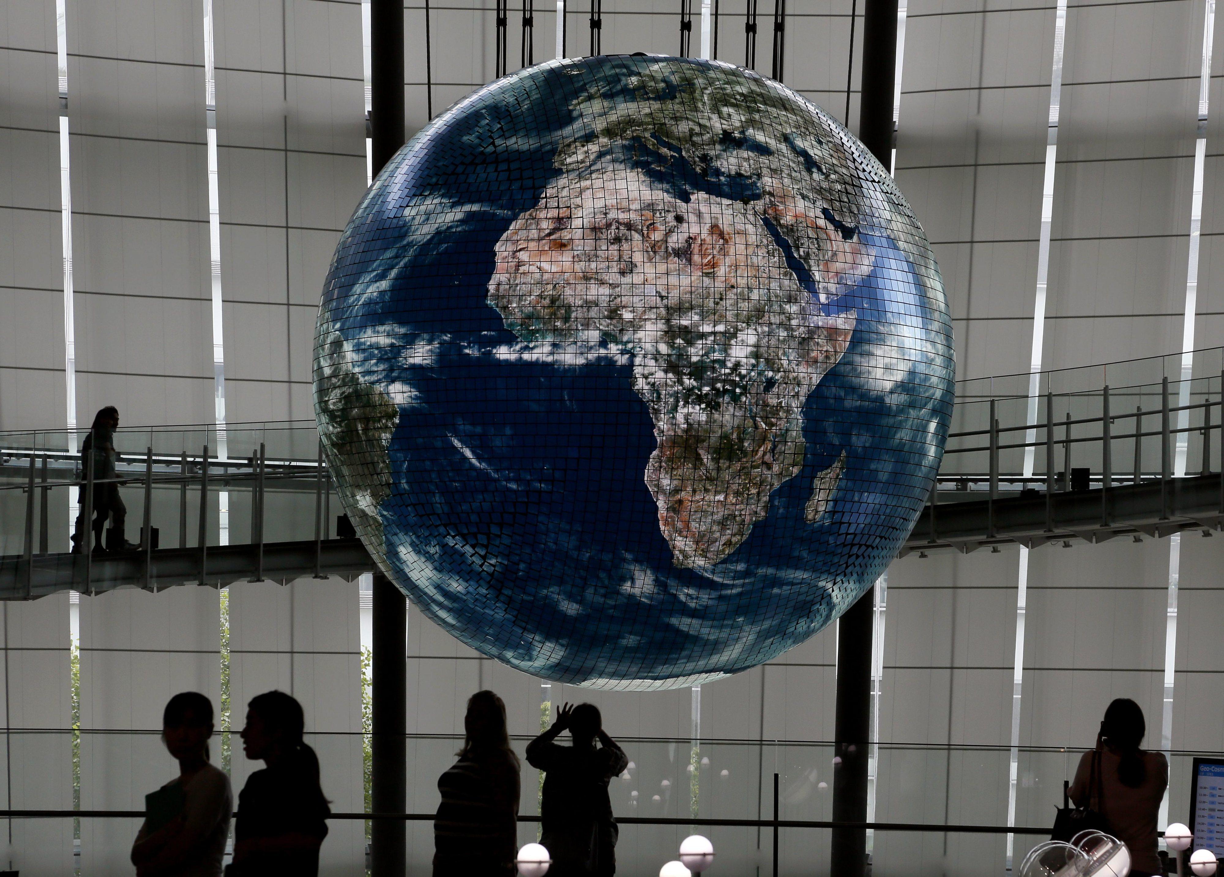 COVID-19: Maioria dos países africanos fecha fronteiras, restrições atrasam ajuda