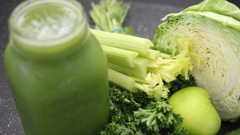 Conheça os benefícios dos sumos de vegetais, aliados da sua saúde