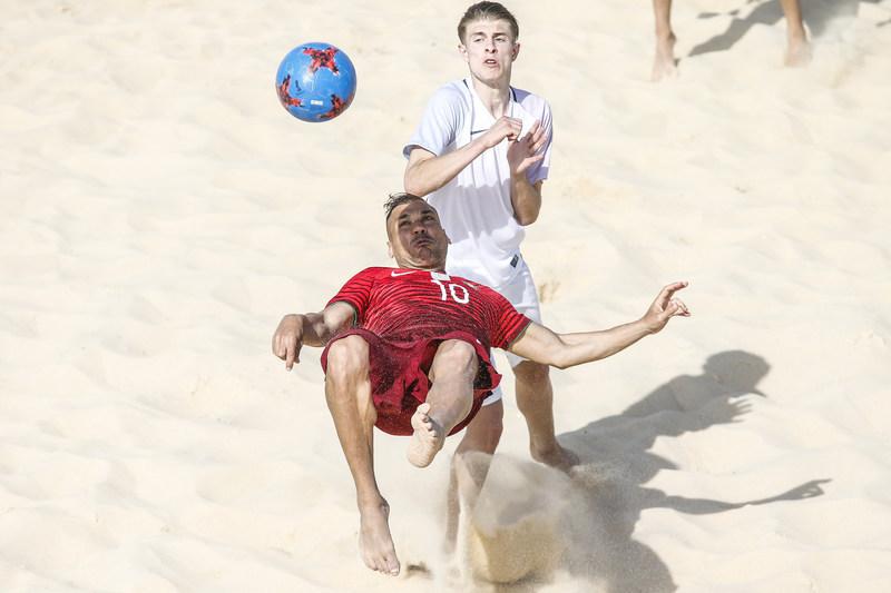 Vídeo: Belchior mostra os bastidores da Seleção de futebol de praia