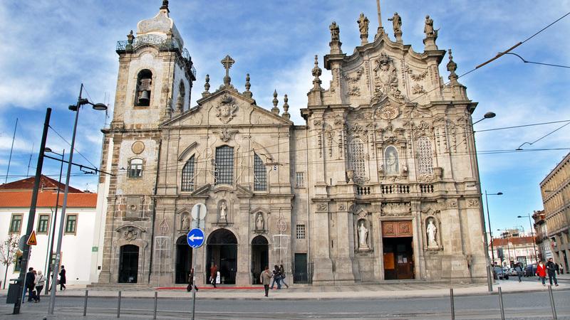 Esta é a casa mais estreita da cidade do Porto. Sabe onde fica?