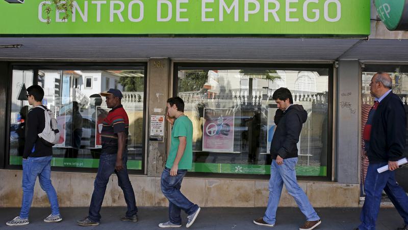 Número de desempregados inscritos nos centros de emprego caiu 18% em setembro