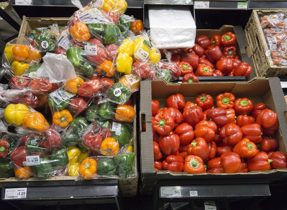 Já há data para fim dos sacos de plástico transparentes para fruta e legumes