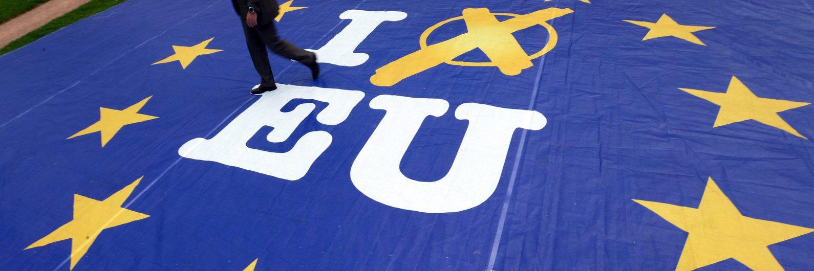 Bruxelas quer pagamentos transfronteiriços mais baratos