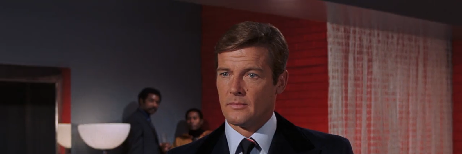 "Morreu Sir Roger Moore, o 007 mais ""gentleman"" de todos"