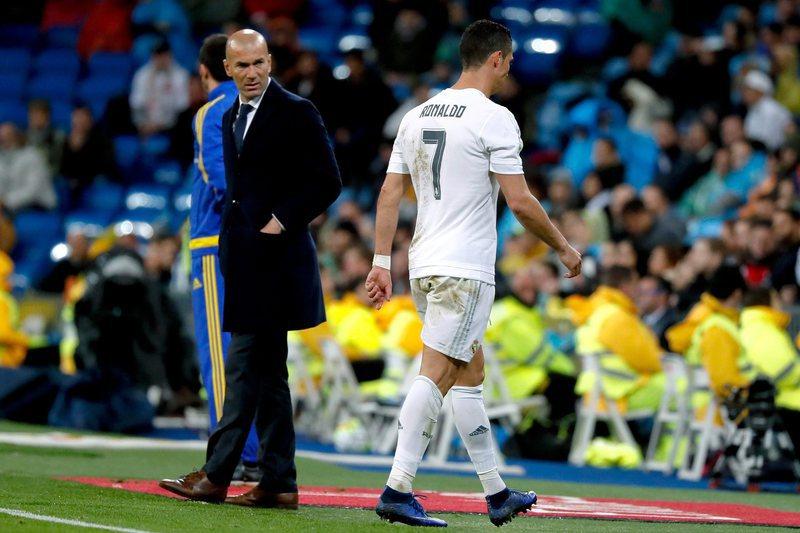 Ronaldo trata-se com células estaminais para acelerar recuperação