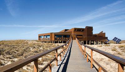 10 restaurantes do Minho ao Algarve para comer à beira-mar