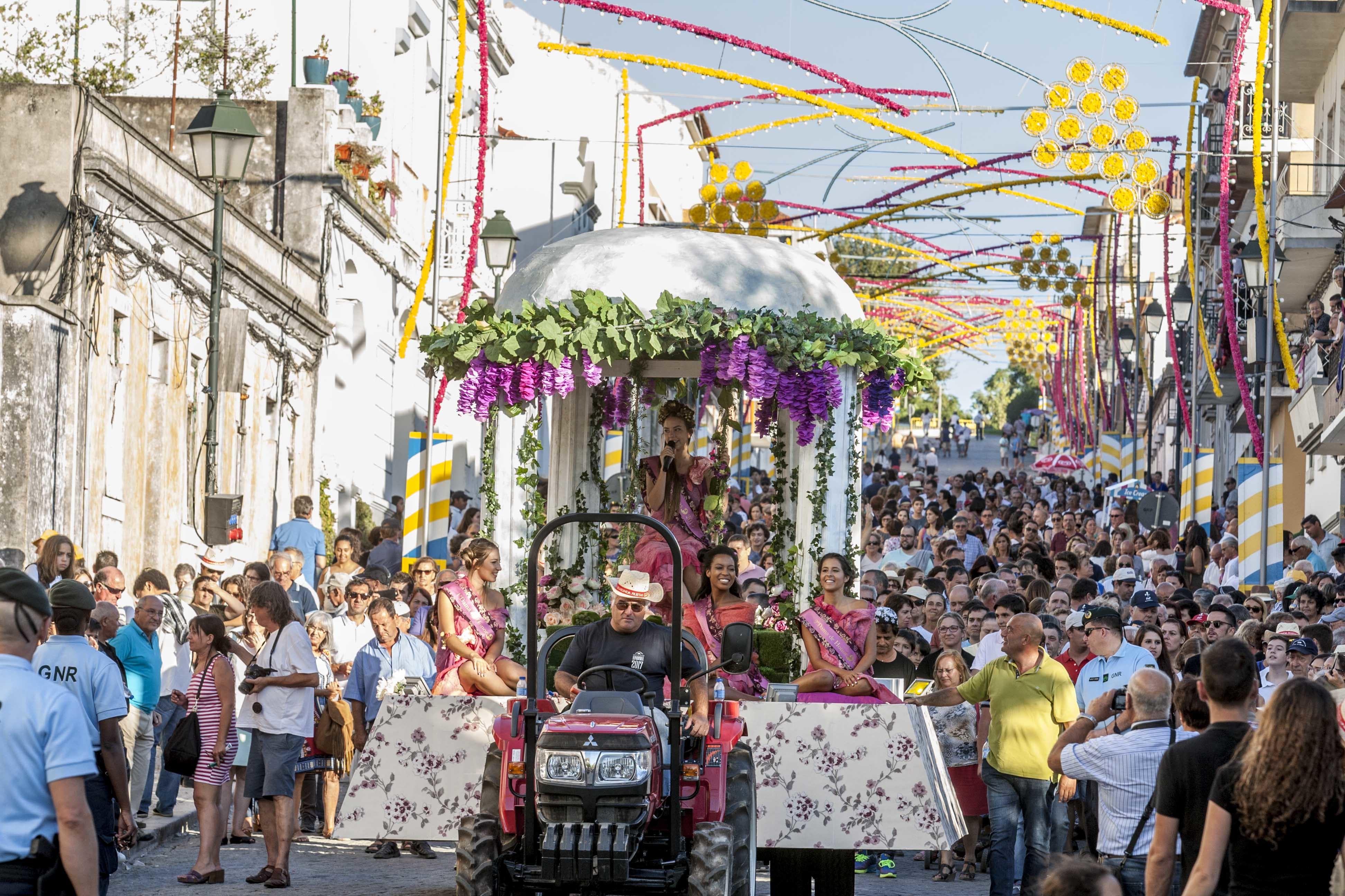 Em Palmela vai começar a grande folia anual, a Festa das Vindimas