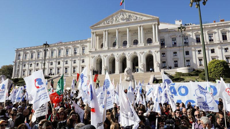 Serviços mínimos na greve dos professores serão decididos por colégio arbitral