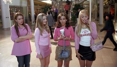 Esta marca de Beleza criou uma coleção inspirada em Mean Girls, o filme sobre miúdas terríveis e o poder do cor-de-rosa