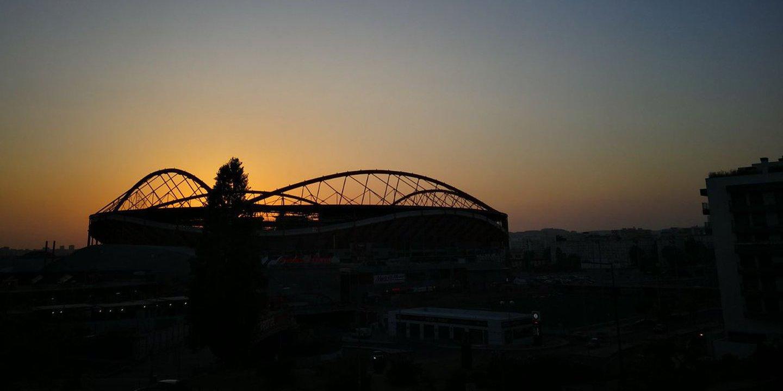 Em dia de eclipse solar, Benfica diz que também bloqueou o Sol