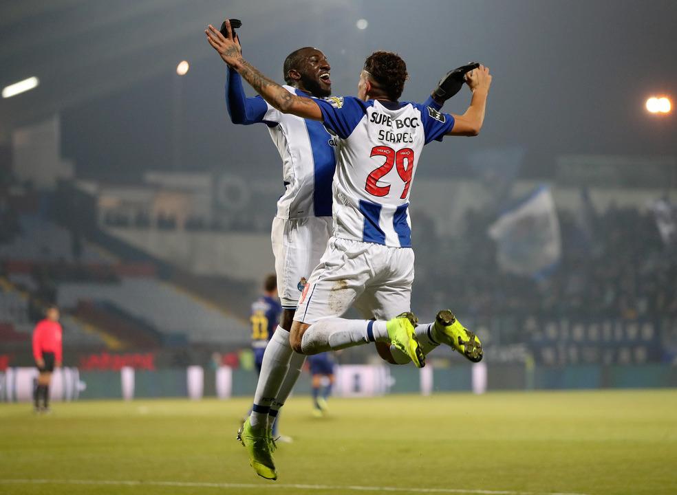 Desp. Chaves 1-4 FC Porto: Só deu Soares para lá do Marão
