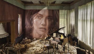 Artista passou um ano inteiro a transformar uma mansão abandonada numa instalação sensorial