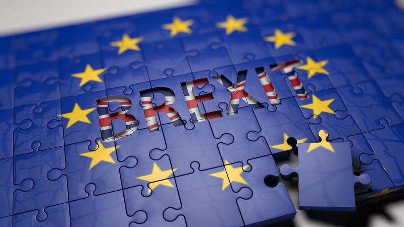 Parlamento britânico votará acordo do Brexit em janeiro