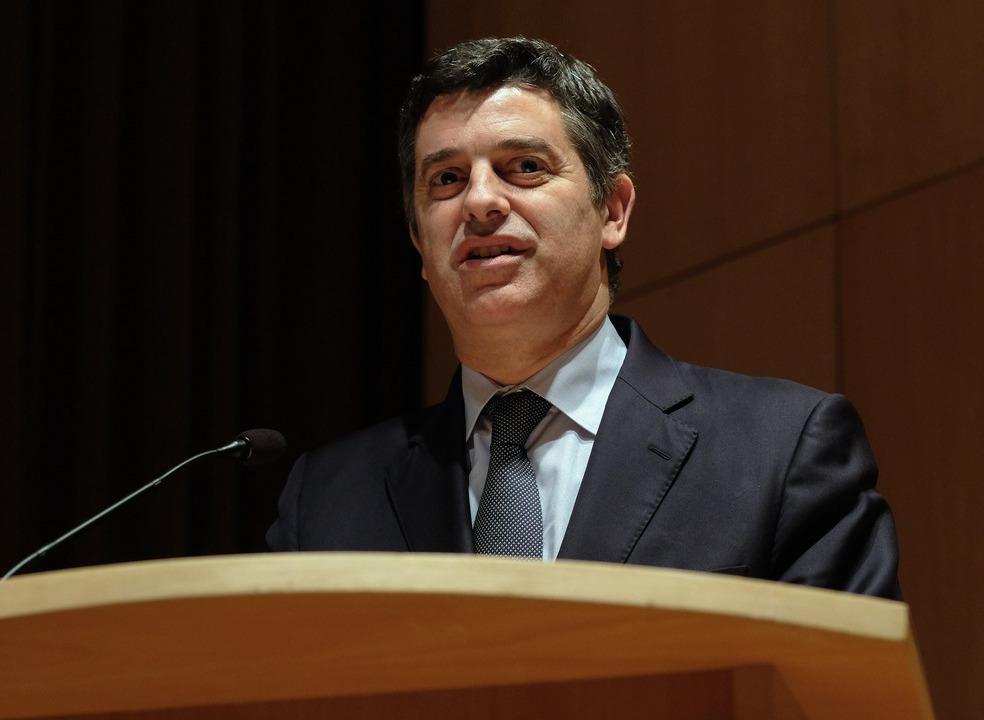 """Caldeira Cabral diz que """"não é aceitável que empresas digam que não querem pagar"""" impostos"""