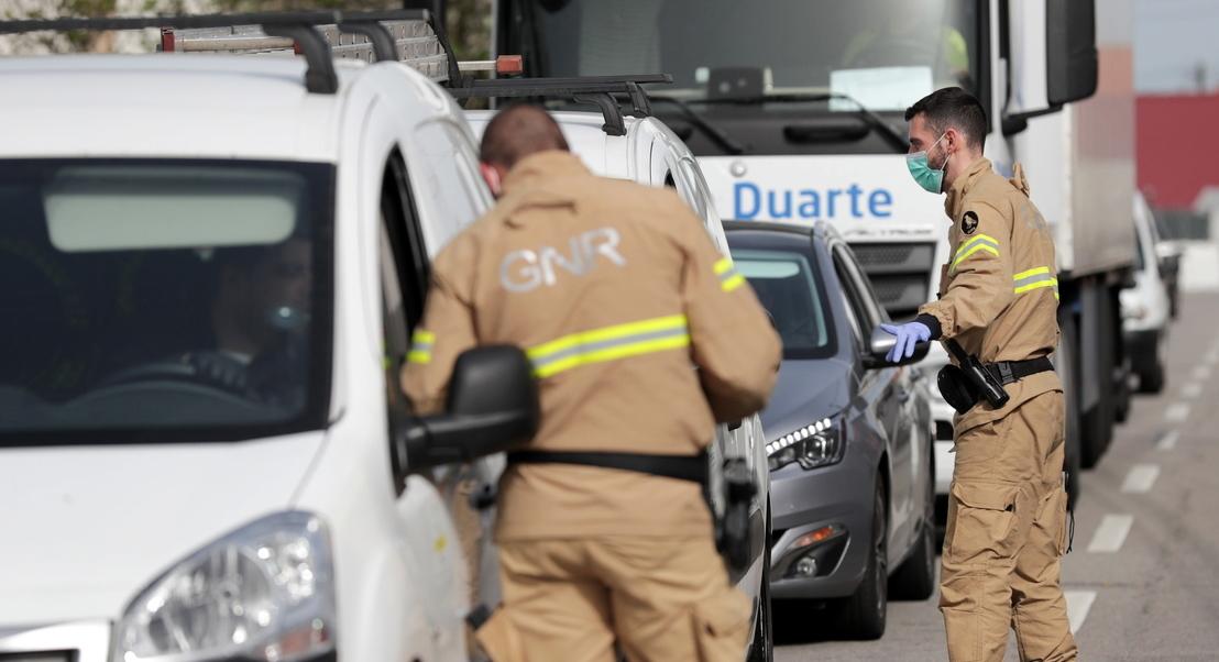Governo proíbe deslocações rodoviárias de fim de semana até à Páscoa