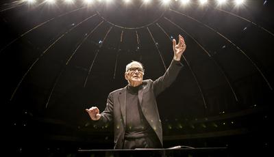 Ennio Morricone em Lisboa com digressão de despedida dos palcos e convida Dulce Pontes